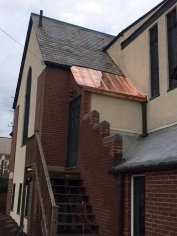 The new copper roof has been completely installed, and not only does it give the bulding a new look but will also make sure that this customer does not have to deal with leaks anymore.